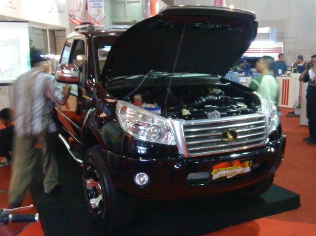 Mobil dobel kabin Digdaya, salah satu karya anak SMK Otomotif...keren bro..!!