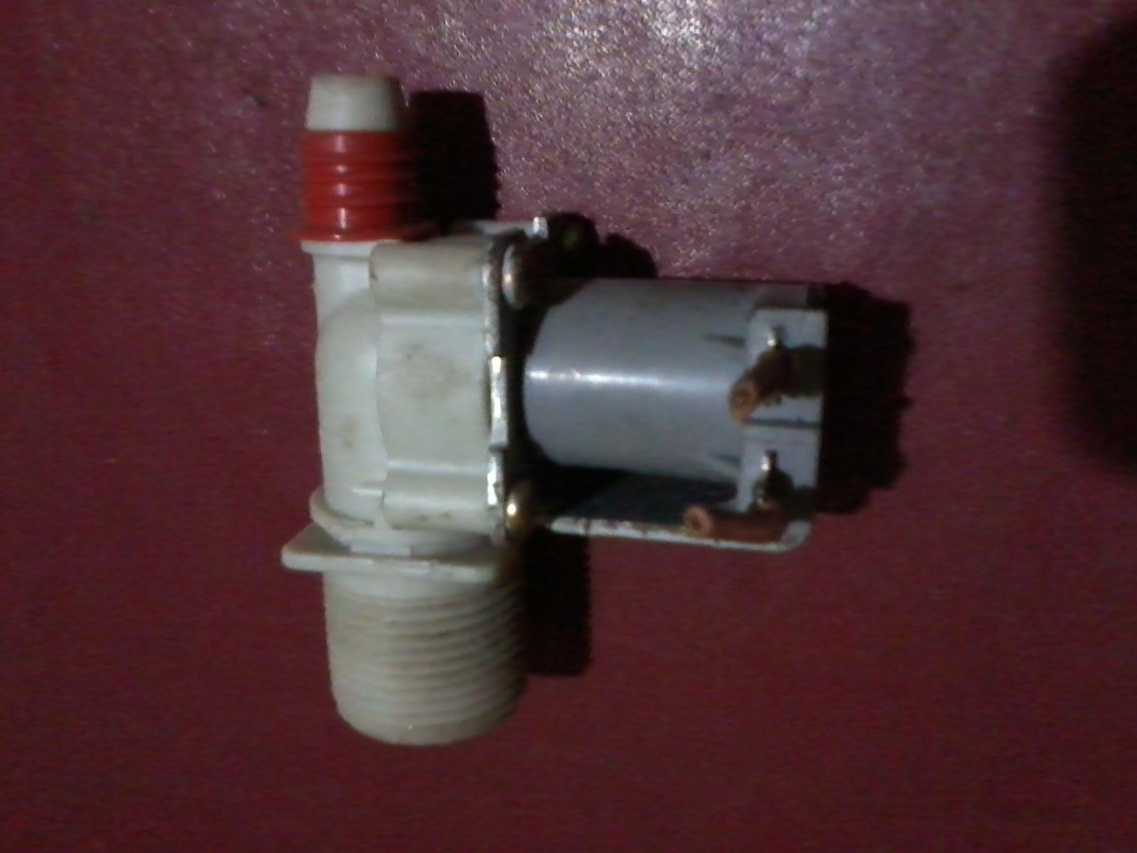 diparalel dengan kabel water valve untuk menghidupkan relay pompa air